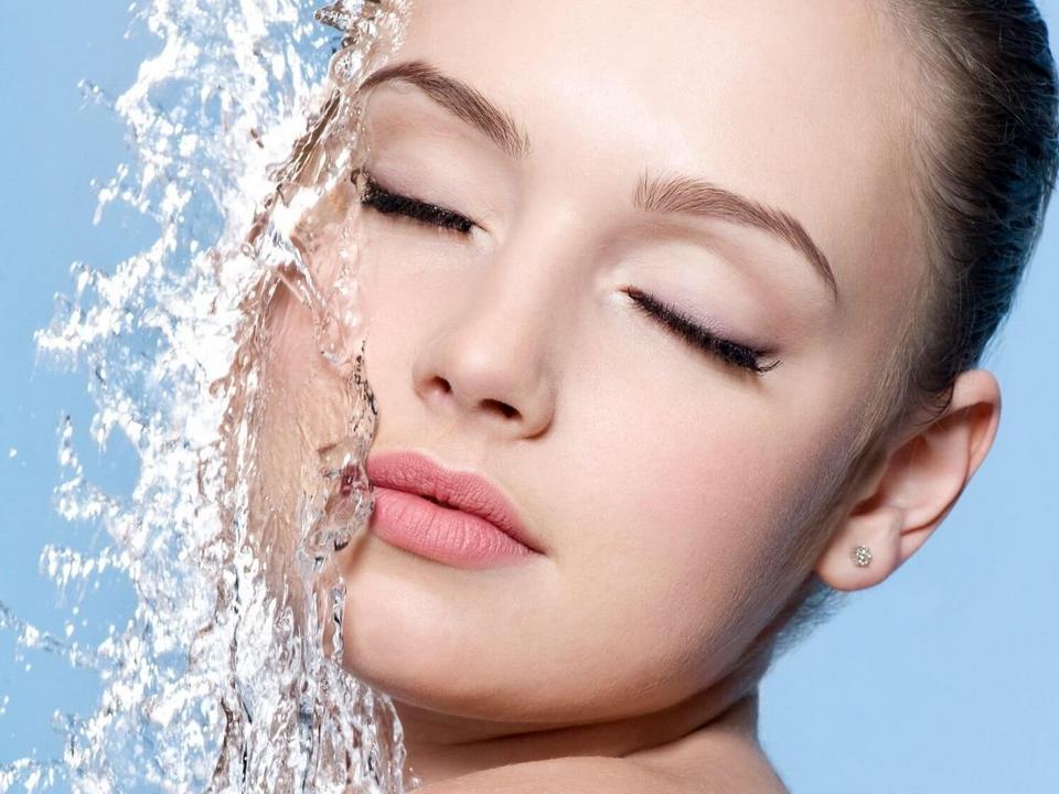 Увлажнение сухой кожи лица в домашних условиях