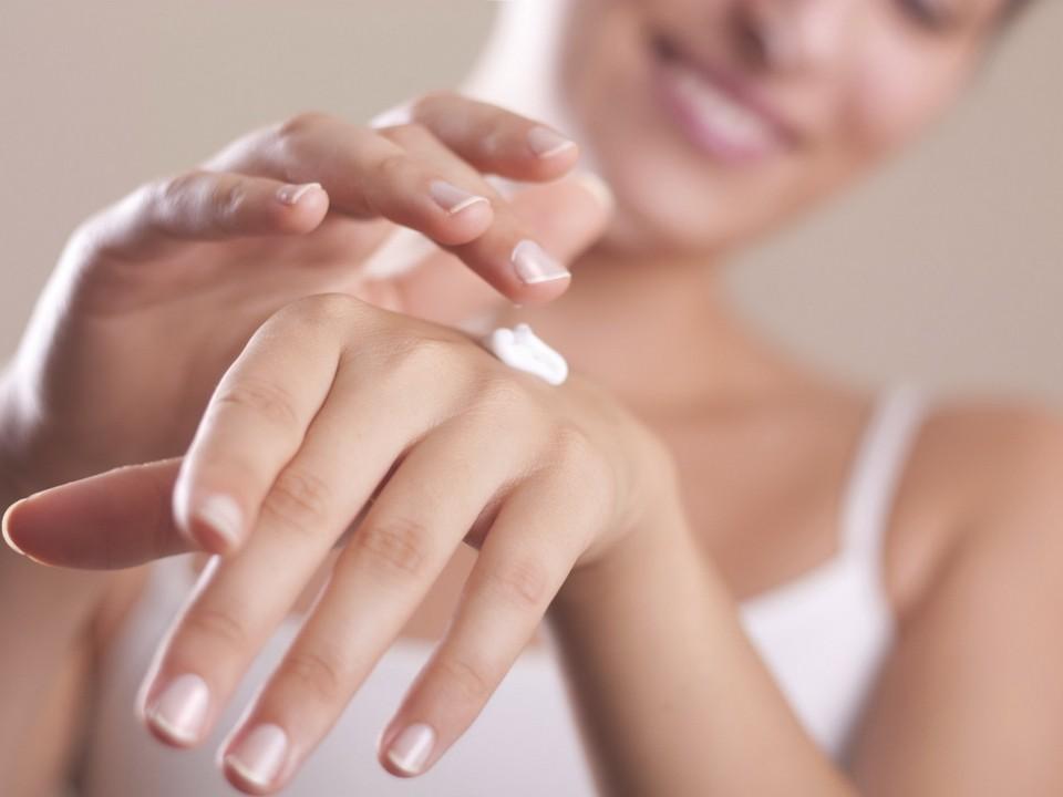 Домашний уход за кожей рук: народные рецепты целебных составов