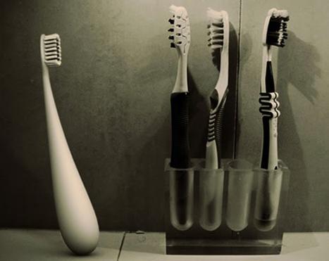 щетка,неваляшка,чистить зубы,ванная