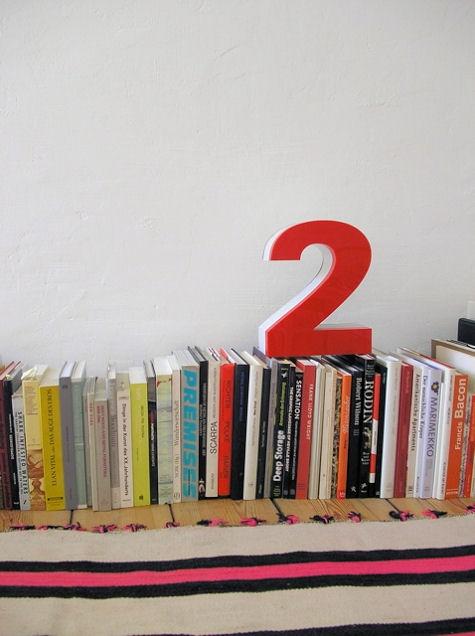 квартира,картина,фото,дизайн ,интерьер,цифра 2,книги,книжная полка