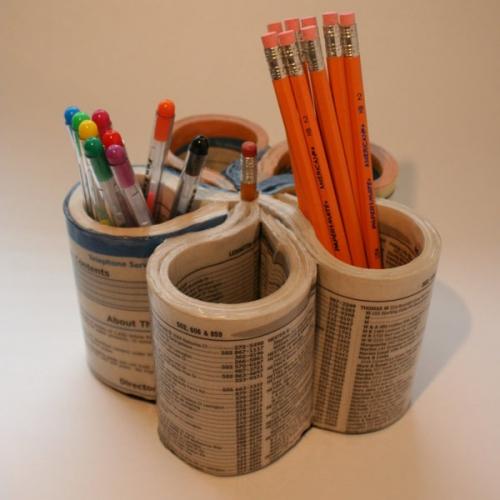 поделки,поделки из журнала,газеты,ручки,стаканы под ручку,поделки из бумаги