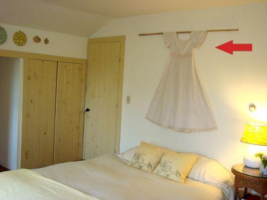 спальня, кровать,меморобили, платье,спальня