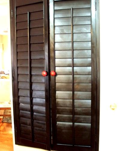стенка,информационная стена,мел,дверцы