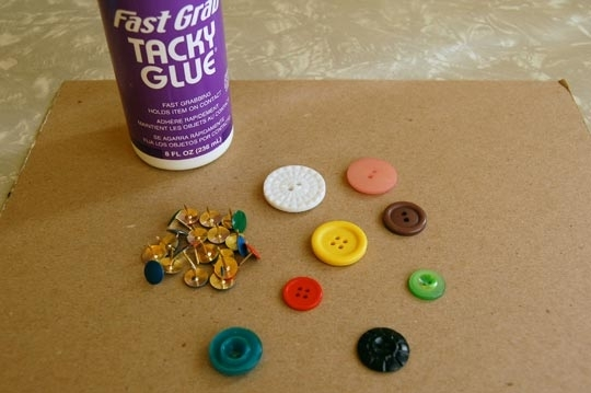 краска,кнопки,пробковая доска,кнопки