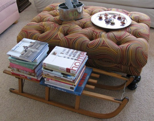 санки,книги,ковер,диван