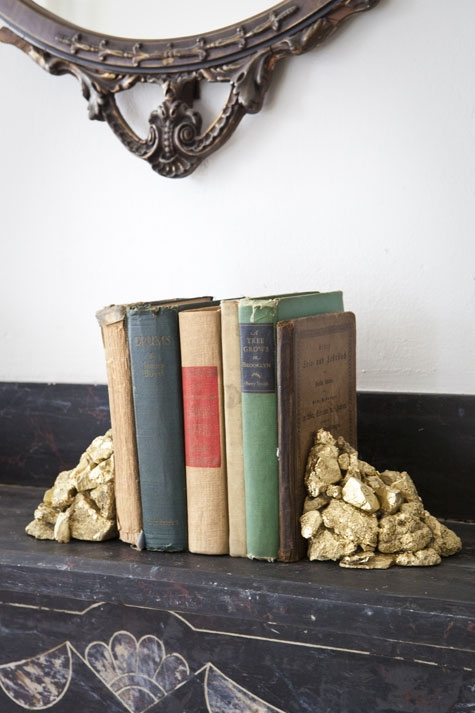 книги,сделай сам,подставка,поделка из камней