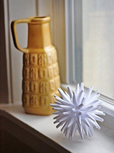 игольчатый шар,новый год,украшение, поделки,бумага