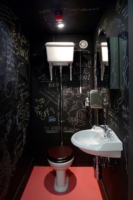 доска,школьная доска,интерьер,дизайн,туалет