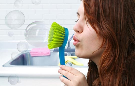 щетка для посуды,мыльные пузыри