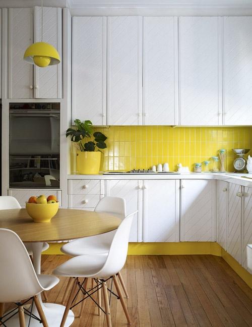 кухня,фото,желтая,желтый фартук,плитка,стол,желтая ваза