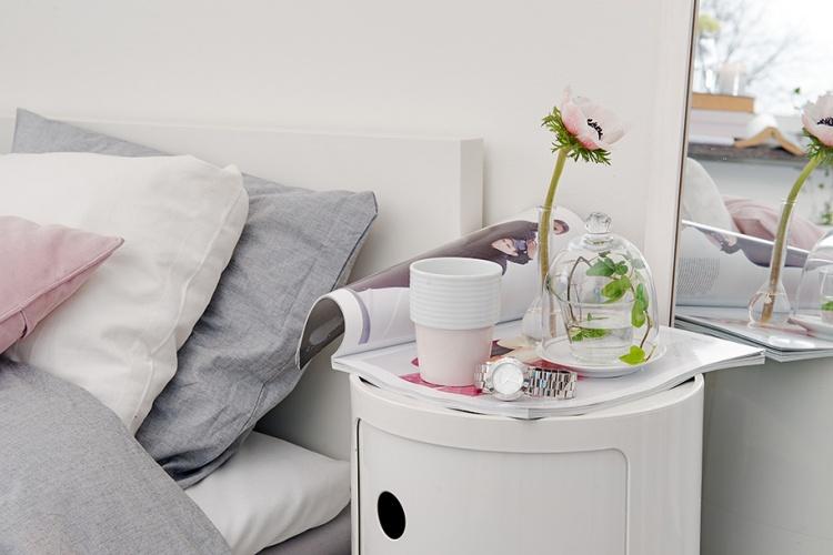 спальня,белая спальня,столик,Швеция,скандинавский дизайн