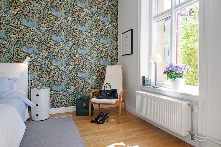 место для чтения,спальня,белая квартира,стул,окно
