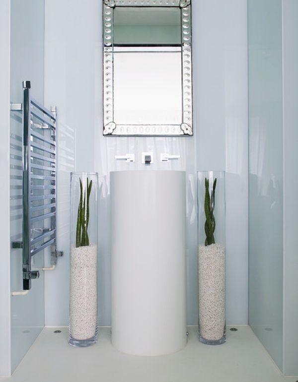 две вазы,напольные вазы,ванная