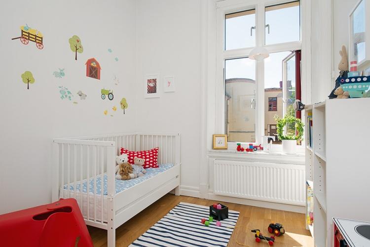 белая детская,окно,дизайн,фото