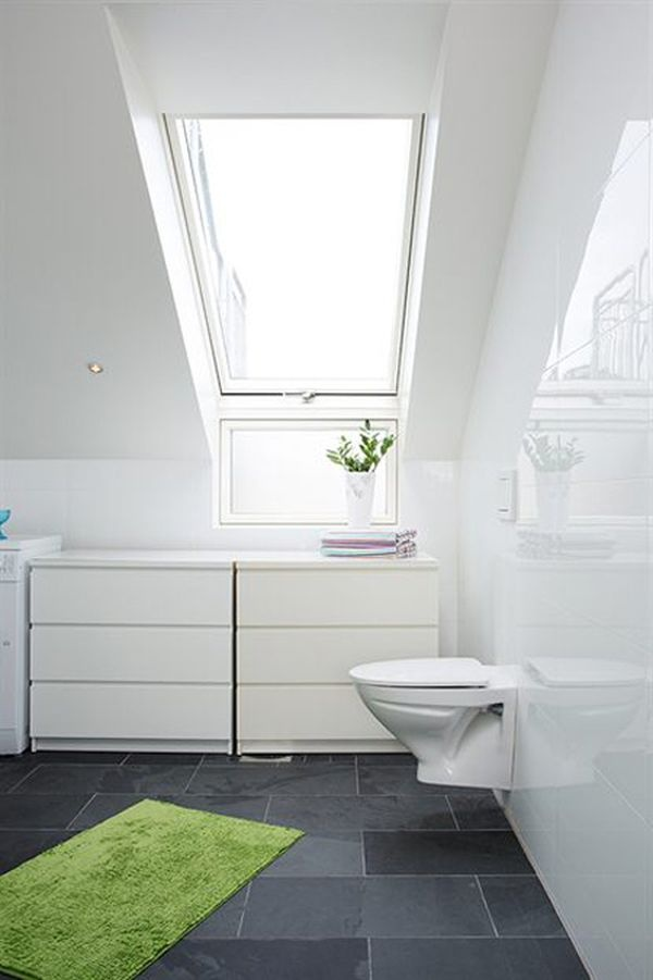 ванная,квартира 45кв,мансарда,окно,туалет,коврик салатовый