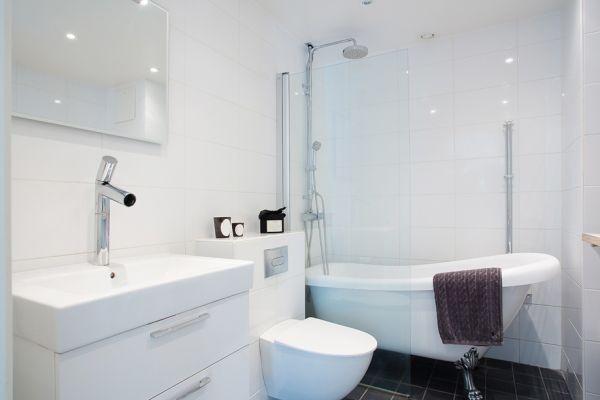 ванная комната,ванна,раковина,квартира
