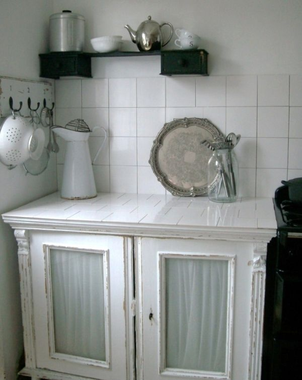 кухня,шкаф,белый,черный,интерьер