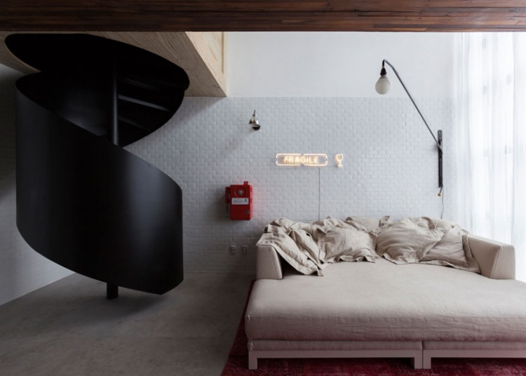 спальня,квартира,винтовая лестница,фото
