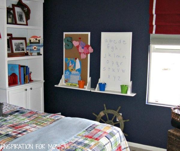 детская,таблицы на стене,комната