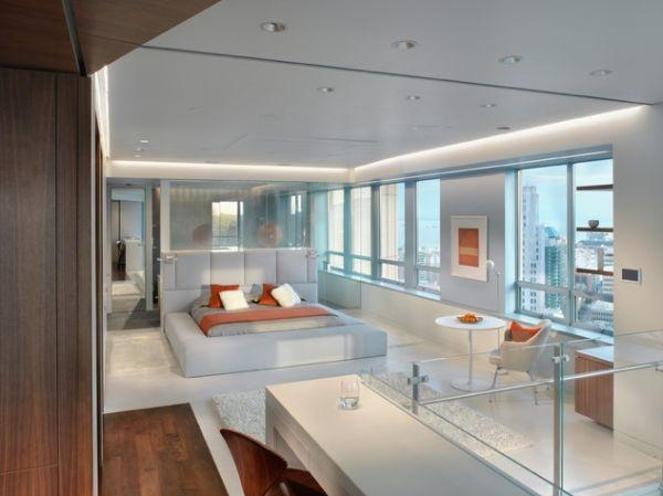 спальня,окна в пол,стекло,оранжевый и голубой