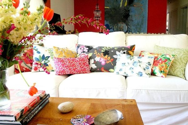 подушки,цветочные подушки,ткань цветок,диван