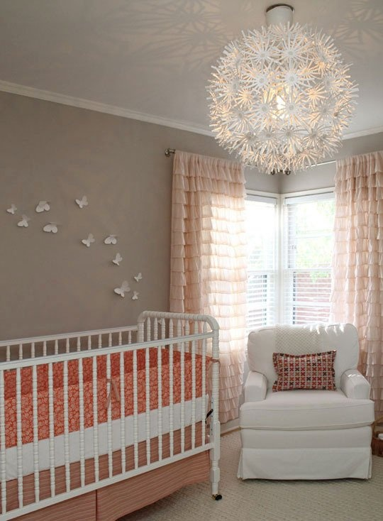 бабочки на стене,украшение стен