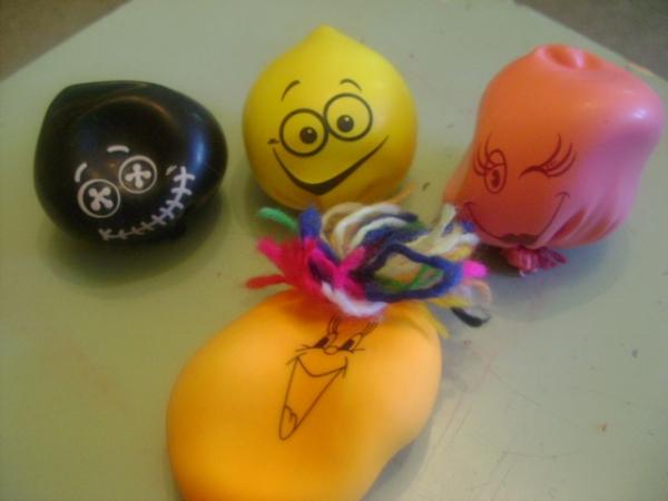 Поделка из шарика с мукой 6