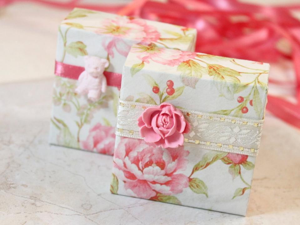 0404h-26 Как сделать коробочку для подарка своими руками из картона. Пошагово Фото