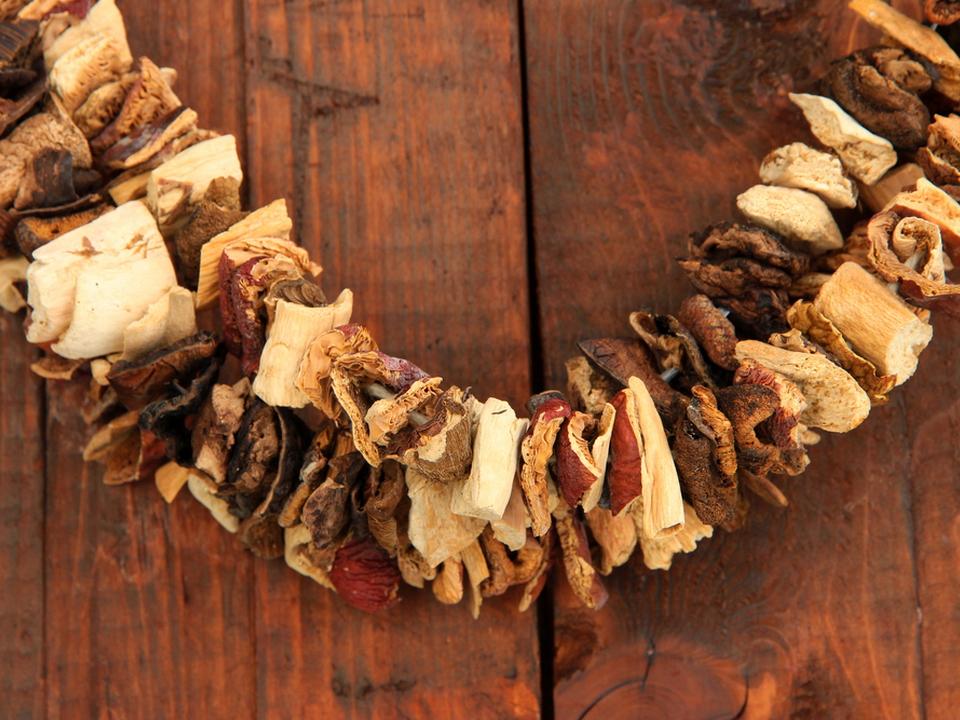 Как быстро высушить грибы