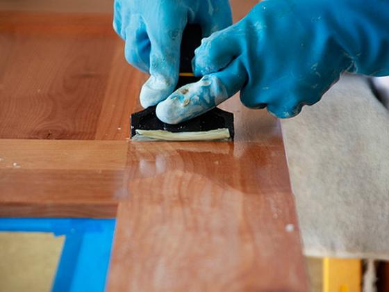 Как очистить старую мебель от краски