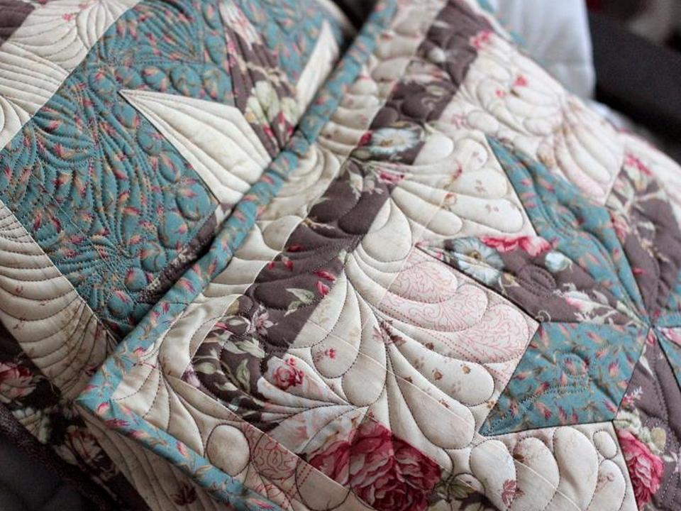 1308h-23 Цветочные пэчворк подушки своими руками схемы